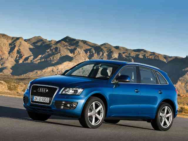 2011 Audi Q5 Hybrid - Audi Q5 Hybrid will finally be shown in November, at the 2010 LA Auto Show. The Audi Q5 Hybrid will receive a 2.0-liter TFSI gasoline engine with power of 201 hp and electric motor delivering 45 hp, w... Audi Cars models, news, information, reviews and pictures.