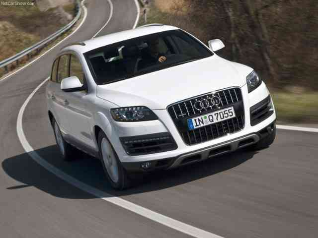 Audi Q7 6.0 V12 TDI - Audi Q7 V12 TDI is the world's strongest diesel SUV. Audi Q7 V12 TDI 6-liter (5934 ccm) engine deliv...