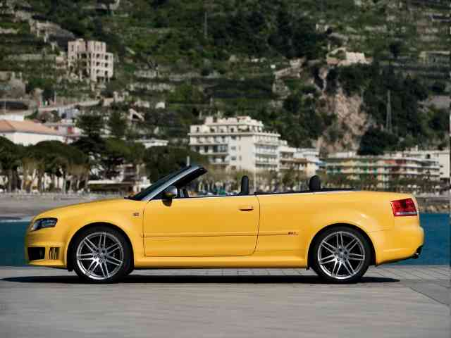 Audi RS4 Cabriolet - 2009 Audi RS4 Cabriolet is 2 doors 4 seater Audi sports car with V8 Gasoline engine (4 valves per cy...
