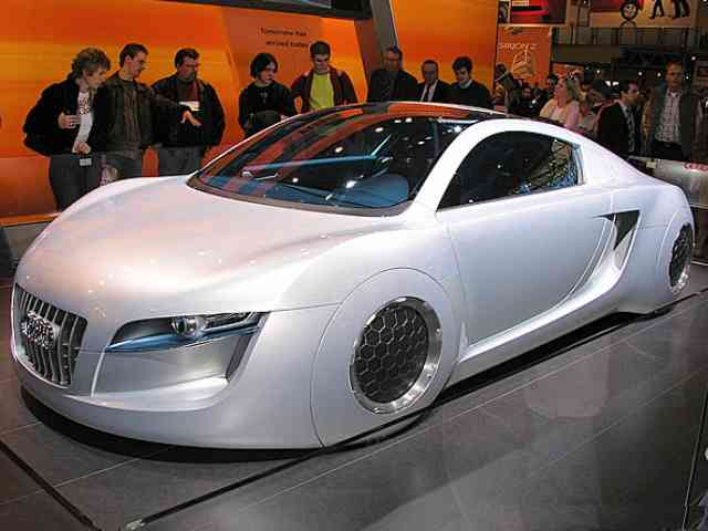 Audi RSQ concept - The Audi RSQ concept was introduced for the first time at the New York Autoshow in 2004. Audi RSQ co...