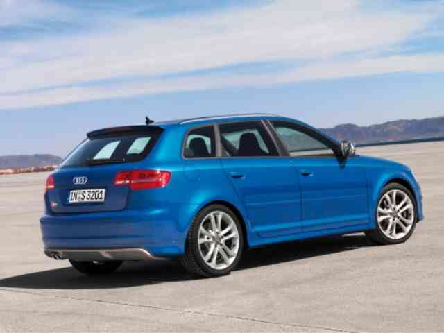 Audi S3 2.0T FSi Quattro - 2010 Audi S3 2.0T FSi Quattro is Audi Hatchback with Gasoline Inline, 4 cylinder engine with 4 valve...