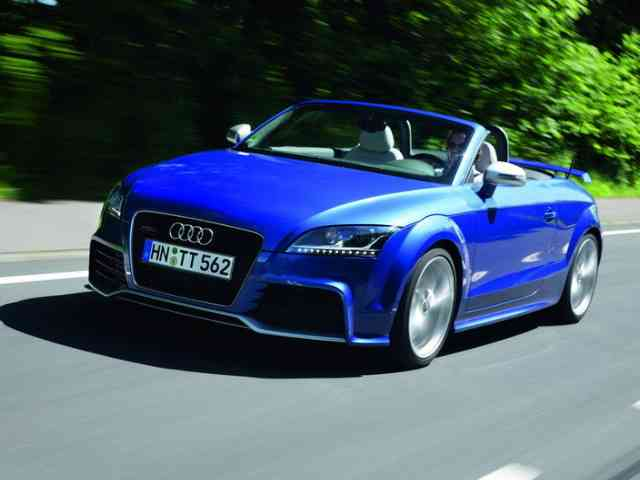 2011 Audi TT-RS S-tronic - 2011 Audi TT-RS S-tronic is equipped with a FSI (Gasoline) engine that delivers 340 hp at 6500 rpm and reaches a maximum torque of 450 Nm between 1,600 and 5,300 rpm. Audi TT-RS S-tronic accelerates 0... Audi Cars models, news, information, reviews and pictures.