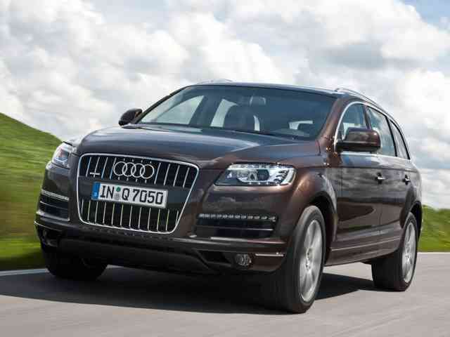2010 Audi Q7 4.2 FSi Quattro Tiptronic - Audi Q7 4.2 FSi Quattro Tiptronic is midsize family car with Gasoline engine that has Direct injecti...