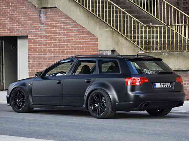 Audi RS4 Avant - 2009 Audi RS4 Avant is Combi car with V8 Gasoline engine with 4 valves per cylinder. It has fuel inj...